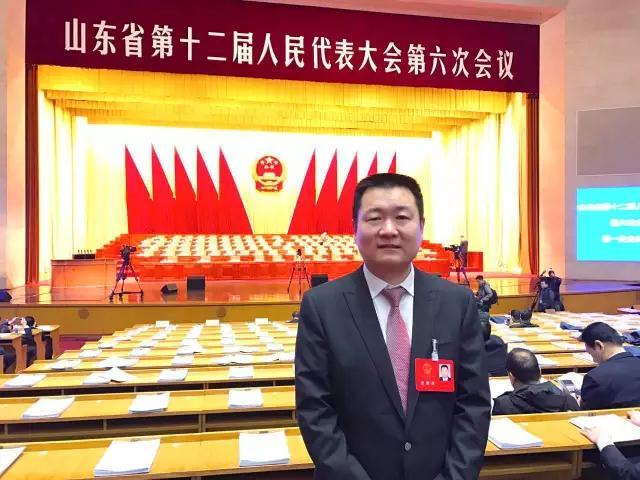 卫康生物集团董事长王宗继出席会议.jpg